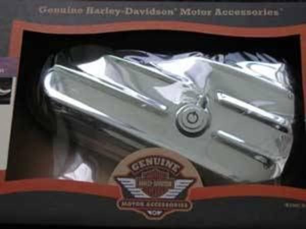 harley davidson chrom werkzeugbox rechts f r softail modelle ab bj 2000. Black Bedroom Furniture Sets. Home Design Ideas